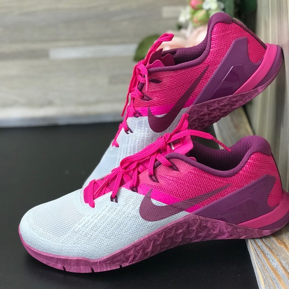 Nike Shoes   Nwt Metcon 3 Pink Fog Wmns